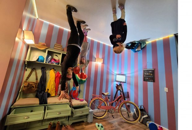 Hollywood's Museum of Illusions: Dancing on the ceiling in the upside down room