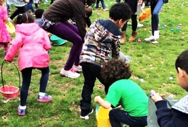 Fort Greene Park hosts an Easter Egg hunt! Photo courtesy Myrtle Avenue Brooklyn Partnership