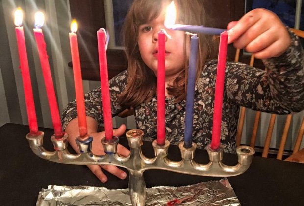 There are several Menorah lighting events in Connecticut to attend.