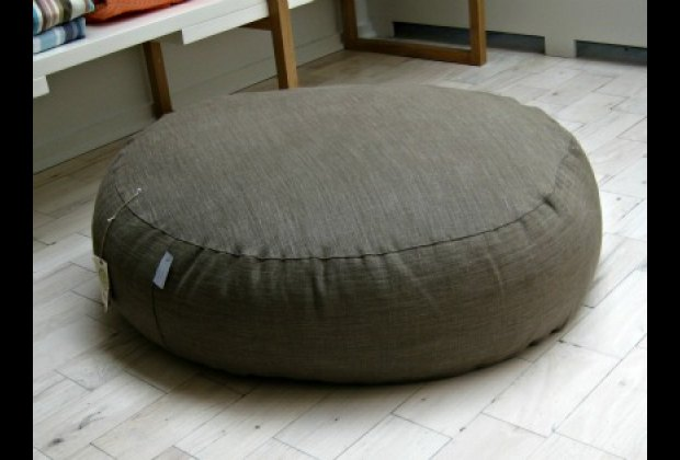 All-natural pouf with removable cover