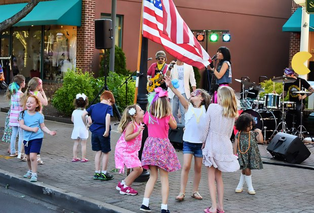 Celebrate summer every Friday night on the promenade in Garden City. Photo courtesy of the  Garden City Chamber of Commerce