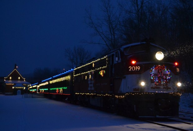 All aboard the Santa Express! Image courtesy of Connecticut Office of Tourism