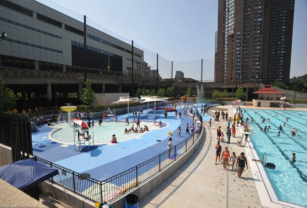 wide view of Roberto Clemente State Park Pool