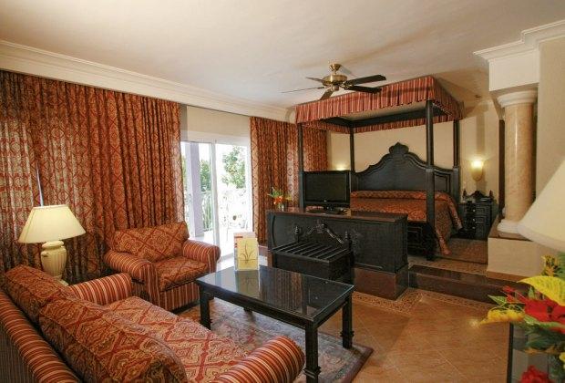A Room at the Rui Palace Tropical Bay
