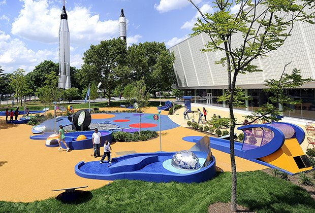 Enjoy mini-golf in the shadow of the rockets at the New York Hall of Science. Photo by David Handschuh/courtesy of NY Hall of Science.