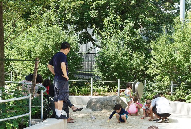 Destination Playground Chelsea Waterside Park In New York City Mommypoppins Things To Do In New York City With Kids