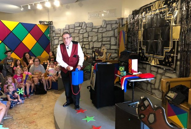 Enjoy a morning of magic with Magician Scott Hollingsworth./Photo courtesy of The Woodlands Children's Museum.