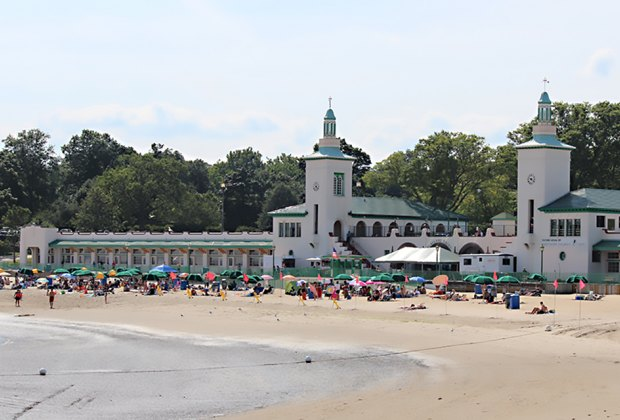 Rye Playland Beach is open Wednesdays–Sundays in July and August. Photo by Shinya Suzui vis Flickr
