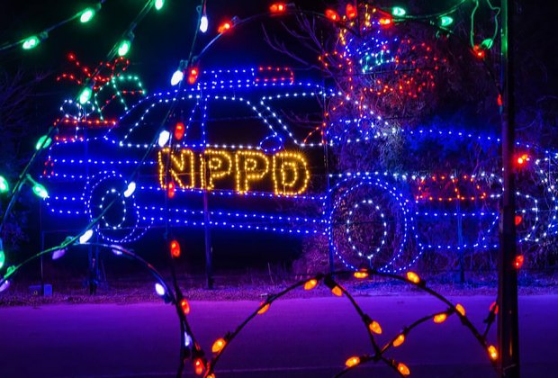 Skylands Christmas Lights 2021 Skylands Stadium Christmas Light Show Dazzles With Mile Long Display Mommypoppins Things To Do With Kids