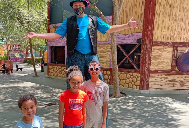 Have a Blast at Six Flags Magic Mountain with Kids of All Ages: Stilt Action