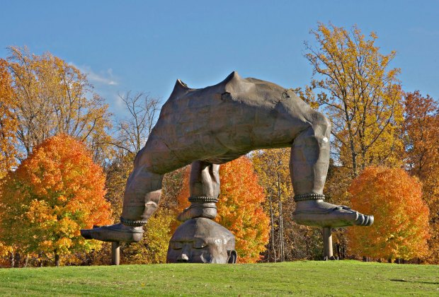 The foliage provides a stunning backdrop for the sculptures at Storm King. Photo courtesy of Storm King Art Center