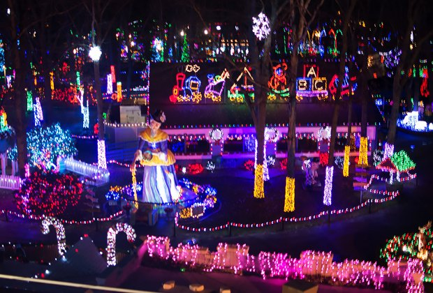 Morris Park Christmas Lights 2021 Hours Of Operation Most Spectacular Holiday Light And Christmas Displays In New Jersey Mommypoppins Things To Do In New Jersey With Kids