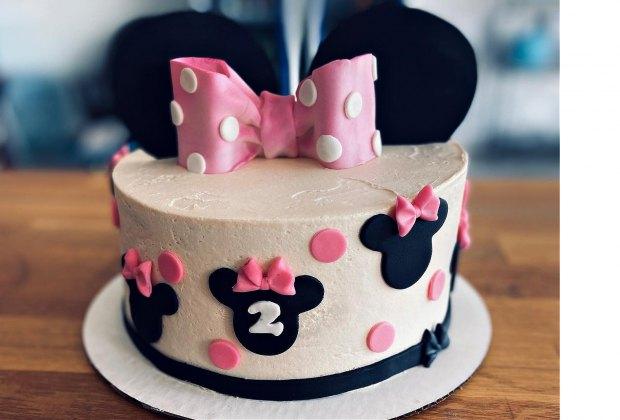 Sugarfoot Cupcakes birthday cake