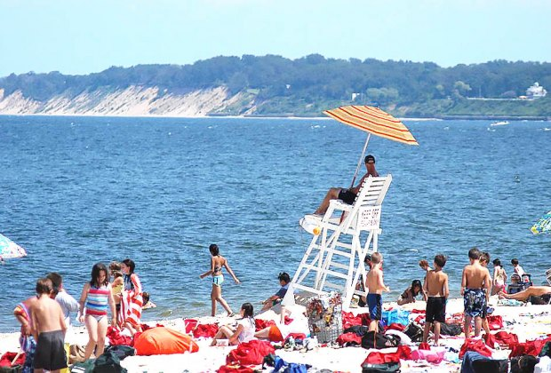 The Best Beaches for Families on Long Island | MommyPoppins