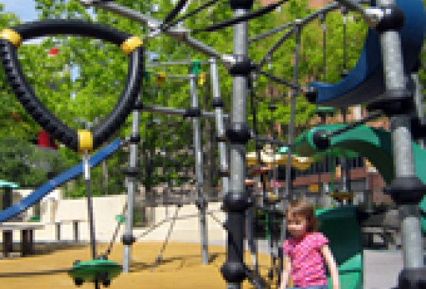 Seal Park Chelsea Waterside Playground And Other Great Chelsea Parks For Nyc Kids Mommypoppins Things To Do In New York City With Kids