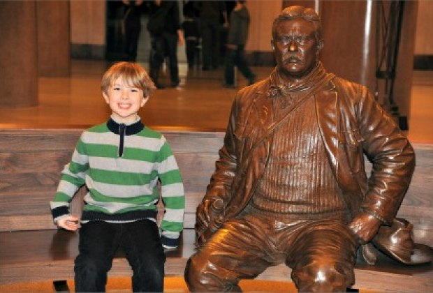 Mugging it up at the Theodore Roosevelt Memorial at the American Museum of Natural History'